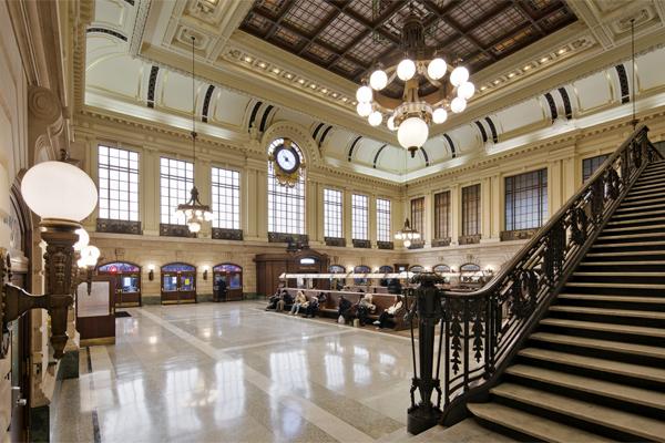 hoboken_terminal_interior_waiting_room2