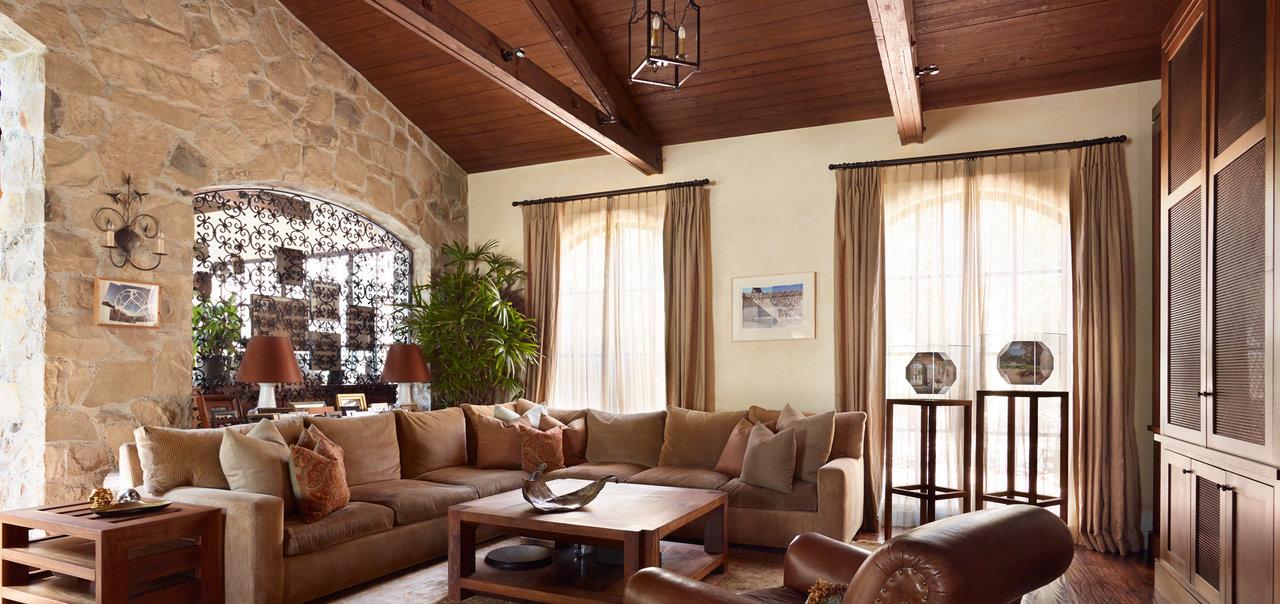 Calabasas Family Room 2_large.jpg
