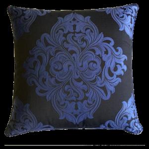 viyet-gift-guide-versace-pillow