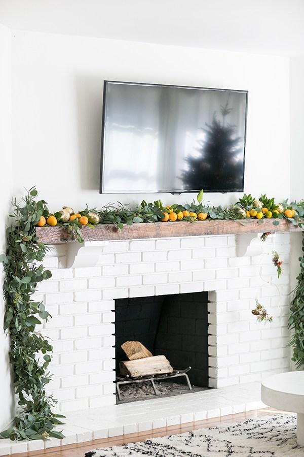 viyet-holiday-fireplace-orange-swag