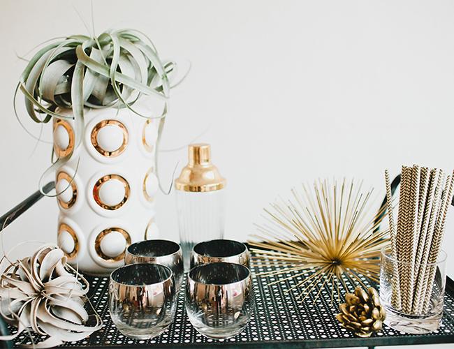 viyet-gold-new-year-bar-cart-vignette
