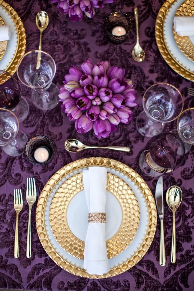 viyet-gold-new-years-arch-digest